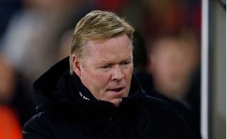 Thuyền trưởng của Everton bị cười nhạo vì... trang trí cây thông Noel sai màu
