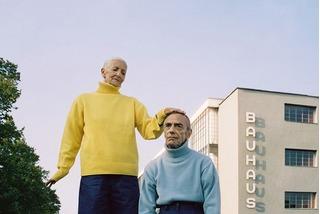 Bộ ảnh thời trang quá đỗi dễ thương và chuyên nghiệp của cặp đôi ông bà 80 tuổi