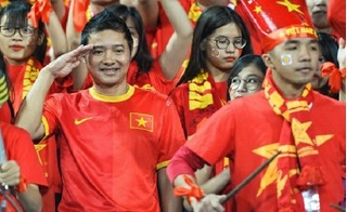 Cảm xúc của các cổ động viên Việt Nam: Đỉnh cao và vực sâu