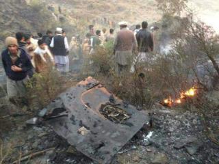 Vụ máy bay Pakistan rơi: Chưa thể nhận dạng 36 thi thể