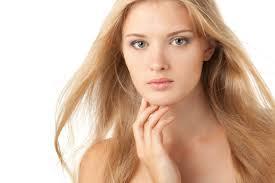 Da nhờn không nên rửa mặt và thấm dầu nhiều lần