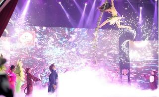 Cười xuyên Việt tập 5: Khán giả thót tim vì Puka... suýt chết trên sân khấu