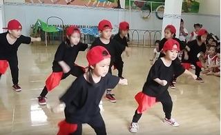 Clip bé mẫu giáo ở Đồng Nai nhảy hiphop hút triệu lượt xem