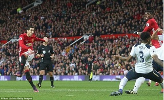 Micki tỏa sáng, Quỷ đỏ chấm dứt chuỗi trận hòa tại Premier League