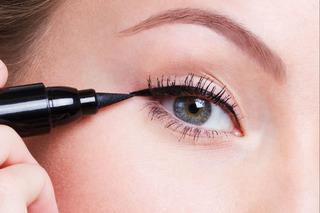 Khi vẽ đường mắt cần chú ý sự phối hợp giữa đường mắt và mắt