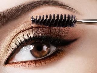 Cách chải mascara đúng để trang điểm mắt đẹp nhất