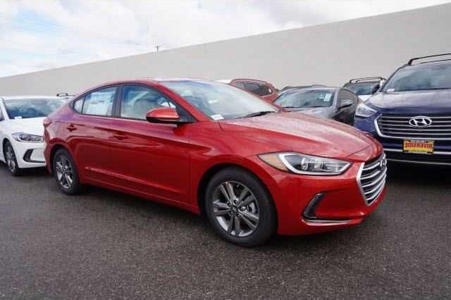 Hyundai Elantra Value Edition 2017 cao hơn 3.100 USD