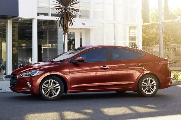 Hyundai Elantra Value Edition 2017  cdfdgfr