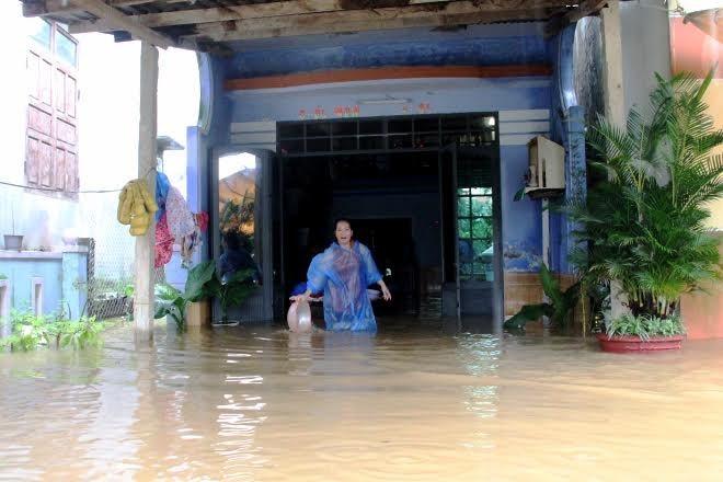 mưa lũ ngập sâu ở Quảng Nam