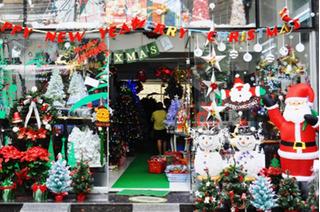 Mức giá các mặt hàng và dịch vụ thuê ông già Noel năm nay ra sao?