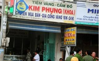 4 kẻ bịt mặt táo tợn mang súng, kiếm đi cướp tiệm vàng ở Tây Ninh
