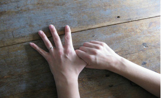 Chà xát các ngón tay theo cách này, gan thận và dạ dày tự khỏe không tốn 1 xu