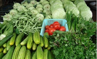 Bạn có đang ngộ nhận rau tự trồng là rau an toàn?
