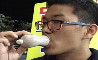 Bạn có dám ăn kem hình bao cao su đầy nhạy cảm này?