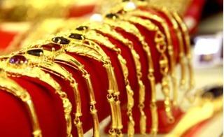 Giá vàng ngày 25/12: Giảm liên tiếp 7 tuần, vẫn bị thổi giá
