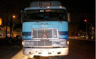 Cùng một ngày, 2 vụ xe container gây tai nạn chết người rồi bỏ trốn
