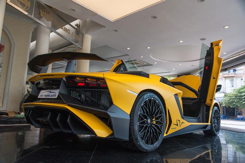 Siêu xe Lamborghini Aventador SV 4
