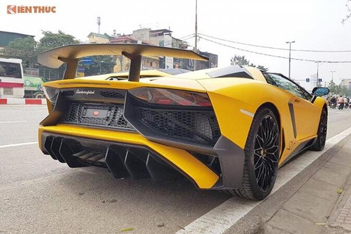 Siêu xe Lamborghini Aventador SV 9
