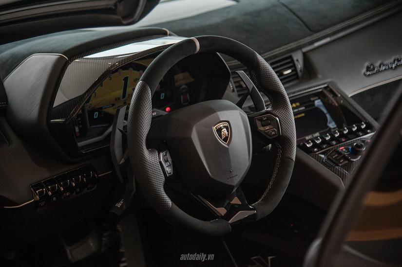Siêu xe Lamborghini Aventador SV 13