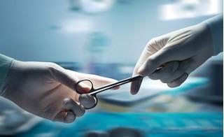 Bắc Kạn: Bác sĩ quên kéo dài 15cm trong bụng bệnh nhân suốt 18 năm