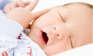 7 mẹo thú vị giúp mẹ hiểu được trẻ sơ sinh đang muốn nói gì