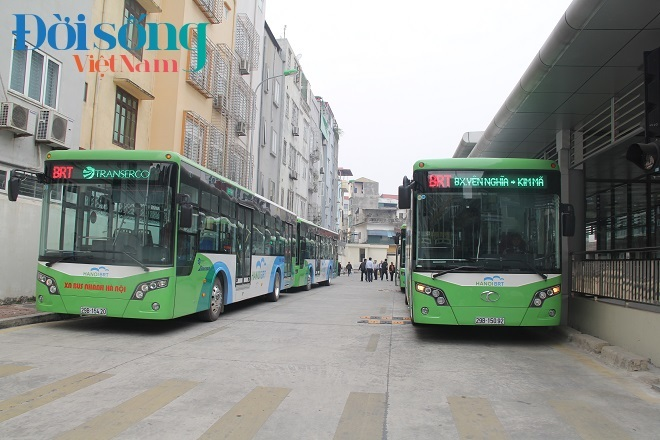 xe buýt nhanh Hà Nội