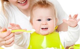 Đây mới là thời gian và cách cho con ăn sữa chua hấp thụ 100% dinh dưỡng