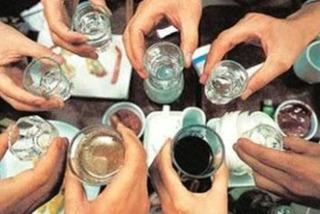 Ăn gì trước khi uống rượu để không say?