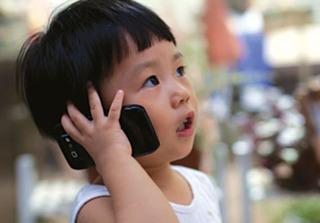 Hãy dừng ngay việc cho trẻ dùng điện thoại để không bao giờ hối hận vì điều này