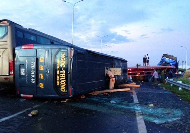 Tai nạn liên hoàn trên cao tốc Long Thành - Dầu Giây 2