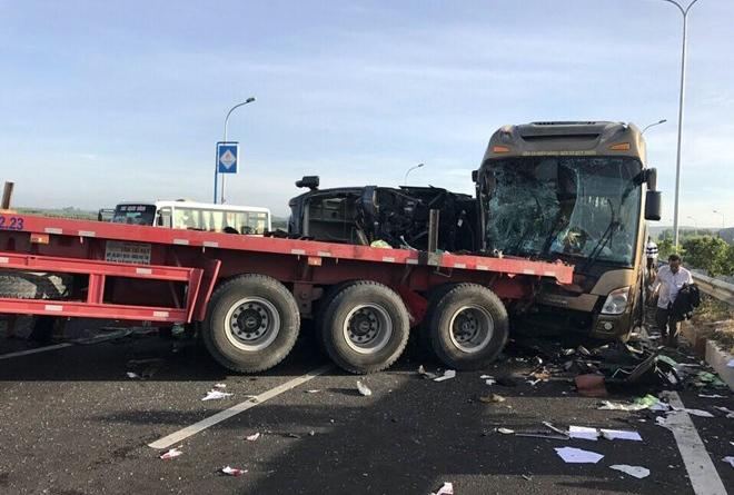 Tai nạn liên hoàn trên cao tốc Long Thành - Dầu Giây 3