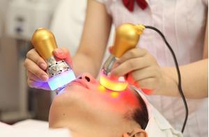 Giải quyết vấn đề về da nên dùng phương pháp tia sáng trẻ hoá da