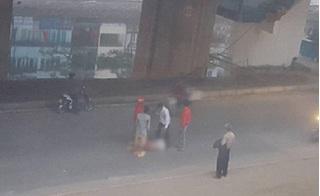 Nam thanh niên bất tỉnh dưới đường, nghi rơi từ nhà ga đường sắt trên cao