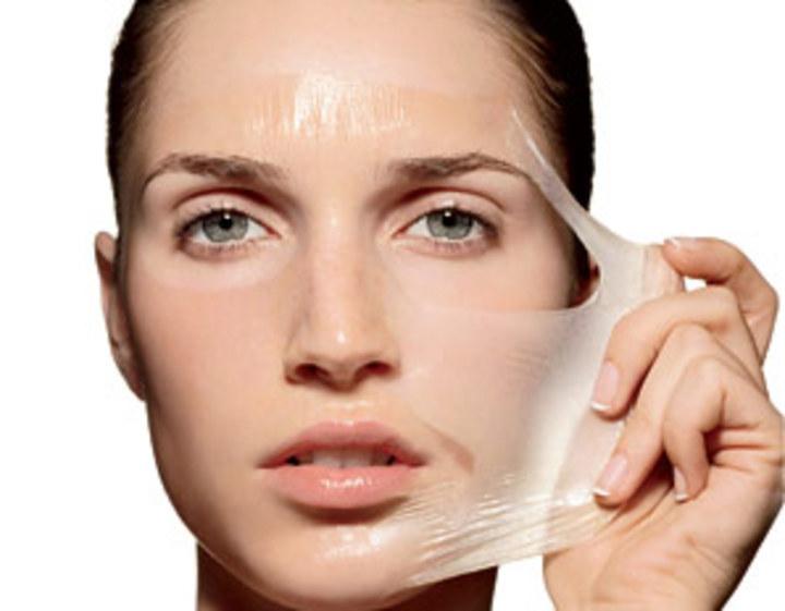 Dùng chất hoá học để lột da mặt