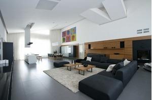 Tăng độ cao cho căn phòng bạn có thể dùng màu sắc để điều tiết