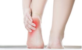 Dùng dấm ăn theo cách này, đau gót chân khỏi hẳn không cần đến bệnh viện