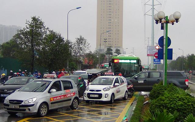 tắc đường ở Hà Nội 8