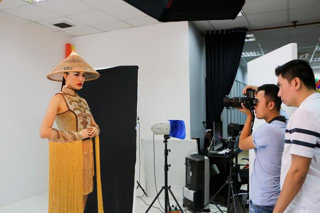 Lệ Hằng thi hoa hậu Hoàn vũ thế giới 9