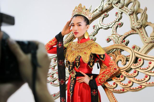 Lệ Hằng thi hoa hậu Hoàn vũ thế giới 14