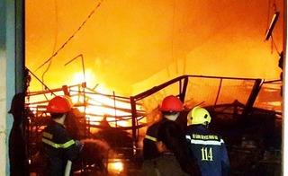 Cháy lớn liên tiếp ở miền Nam: Xưởng gỗ, nhà kho chìm trong biển lửa