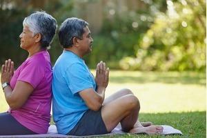 Mẹo vặt để giảm huyết áp ở người bị kinh niên