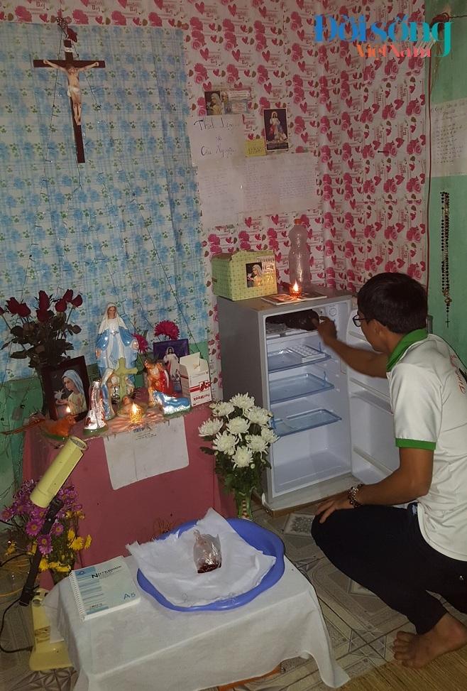 Chiếc tủ lạnh Tuấn và nhóm dùng để bảo quản thi thể các hài nhi