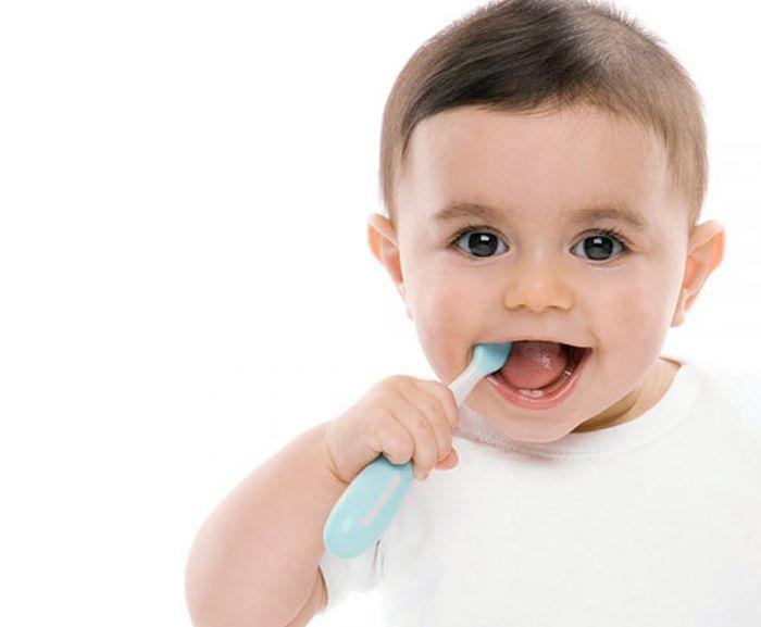 Chăm sóc răng miệng cho trẻ đúng cách