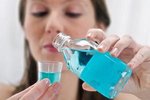 Súc miệng - thói quen vệ sinh răng miệng tốt nhất