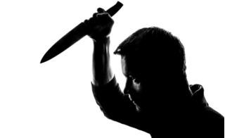 Can ngăn đôi trẻ cãi vã giữa đêm khuya, người hàng xóm bị đâm chết