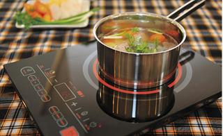 """""""Bát nháo"""" thị trường bếp điện từ ngày Tết, nên chọn mua theo tiêu chí nào?"""