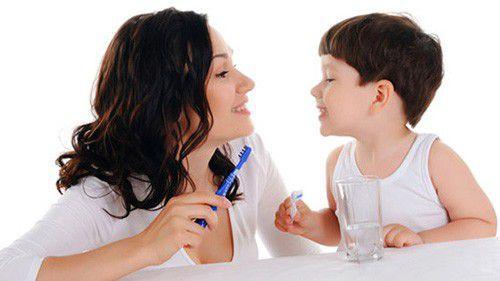 Giúp trẻ không bị sâu răng