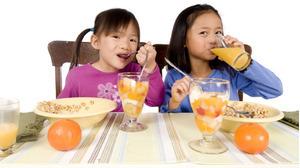 Trẻ em bỏ ăn sáng liệu có dễ bị sâu răng hơn có phải không?