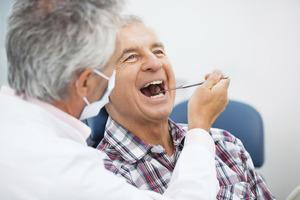 Càng lớn tuổi càng bị sâu răng nhiều hơn có phải không?