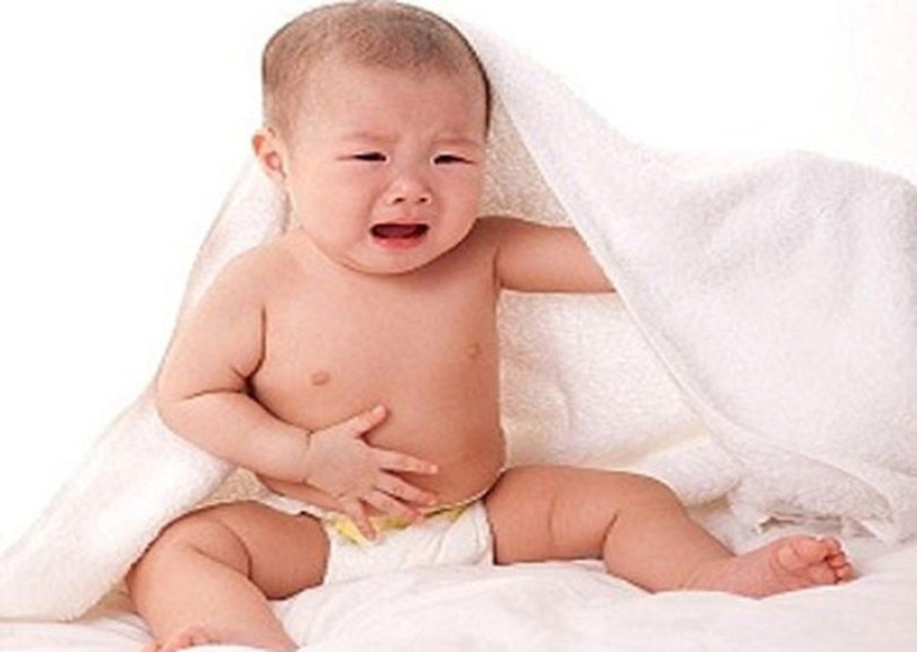 Giảm cơn đau bụng hoặc đầy bụng cho bé